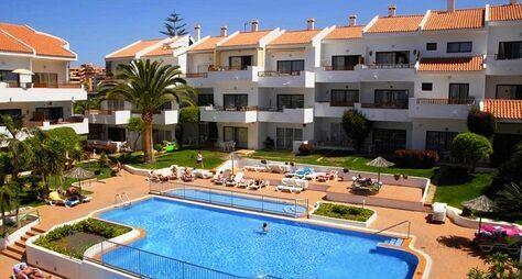 Cristian Sur Apartments
