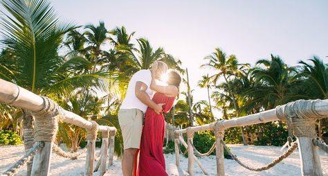Романтическая фотосессия начастном пляже вПунта-Кане