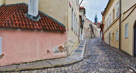 Поромантическим уголкам Праги